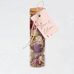 roze-label-met-dwarrelende-bloemblaadjes-TA0155-2000014-15-1