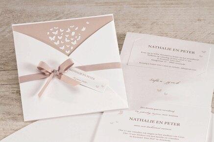 elegante-witte-trouwkaart-met-vlindertjes-in-oudroze-buromac-106074-TA106-074-15-1