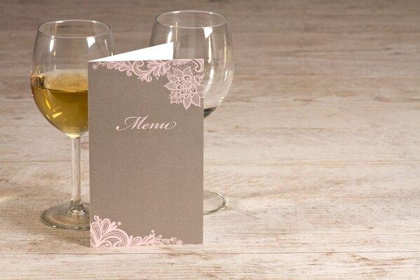 sierlijke-menukaart-met-roze-kantmotief-TA208-066-15-1