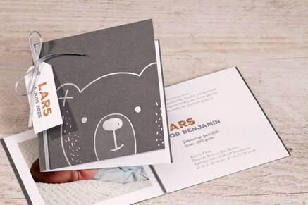antraciet-geboortekaartje-met-beer-in-zilver-buromac-589060-TA589-060-15-1